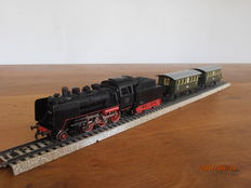 Märklin H0 - 3003/4040/40 - Steam locomotive with tender with 2 passenger carriages