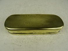 "Brass tobacco box with ""Viva Oranje"" and other loyalist texts-Netherlands-18th century"