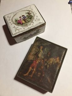 Lot of two silver metal boxes and English fine porcelain