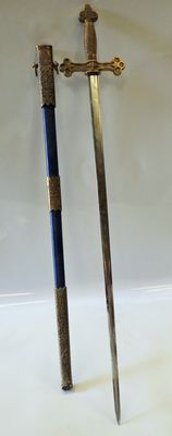 Freemasonry with sheath, cast bronze handle and ornaments.