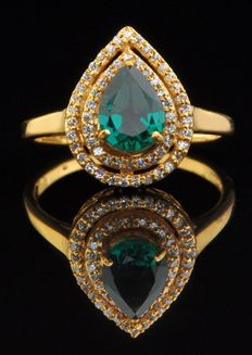 !8 Kt Yellow Gold Ring with 1.45 Carats of Natural Pear Shape Emerald and 57 Brilliant Diamonds