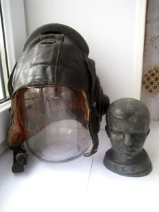 Soviet pilot helmet MiG fighters and metal figure Uriy Gagarin/ Made in  USSR\СССР