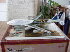 "Boeing 747-400 Air New Zealand Lord of the Rings ""FRODO"" Herpa 1/200"