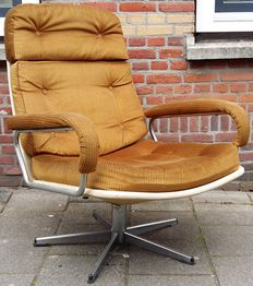 Designer unknown- vintage swivel chair with ribbed upholstery