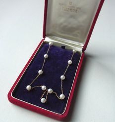 Authentic Vintage MIKIMOTO JAPAN  Akoya Pearls K14 yellow gold necklace  between 1940and 1950