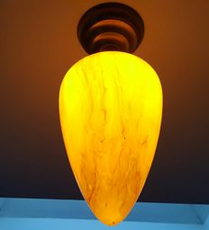 Art Deco ceiling light with menhir-shaped glass lampshade made of marbled glass.
