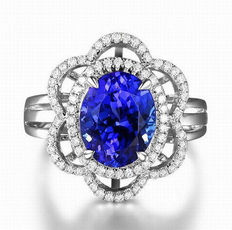 18 Kt White Gold Ring with 2.60 Carats of Natural Blue Tanzanite and 54 Brilliant Diamonds