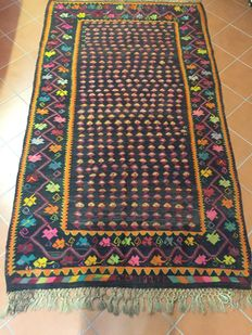Authentic Georgian period kilim with fabric with reinforced slits; Size 159 × 274; Dating back to 1939