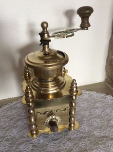 Luxury coffee grinder - yellow copper