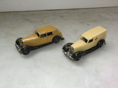 Dinky Toys - Scale 1/48 - Bentley Ambulance No.30f & Daimler No.30c