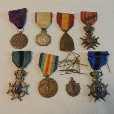 8 Veteran commemorative medals World Wars