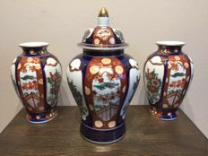 Gold imari hand painted cabinet set vases