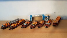 Märklin/Wiking H0 - 4423/-73 - 7 freight carriages with 8 working vehicles