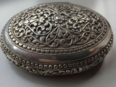 Silver snuff box, Kutch style, India, late 19th century