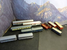 Jouef/Roco/Electrotren H0 - 11x various passenger & freight carriages