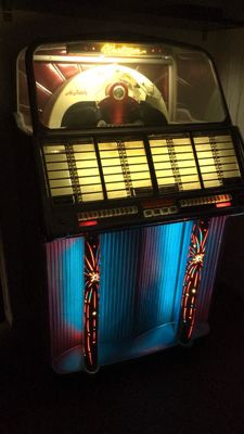 Jukebox Wurlitzer 1800 from 1955