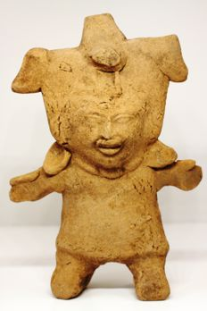 A pre-Columbian anthropomorphic flute in earthenware – height: 18.3 cm