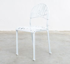 "Jeremy Harvey for Artifort – ""Hello There Chair"""