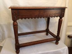 Oak side table in 17th century style with wood carvings - Holland - 19th century