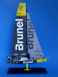 Model zeiljacht Volvo Ocean Race Team Brunel