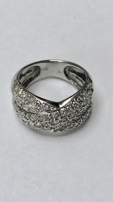 "14 kt wide white gold ring with 69 brilliant cut diamonds. Ring size 16.5 (52) ""No reserve price"""
