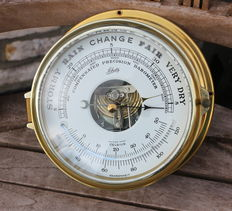 Schatz scheepsbarometer in massief messing behuizing.