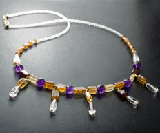 Multi-stone necklace with AA grade amethysts, 45.5 cm long, 18 kt gold clasp