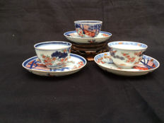 Porcealin Imari cups and saucers - marked - Japan - 18th century