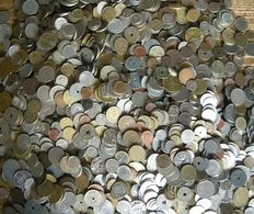 The World - 8 kilograms of coins from over the entire world.