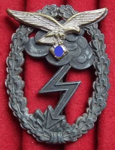 Germany WW II Ground assault badge of the air force. Manufacturer: G.H. Osang. Dresden.