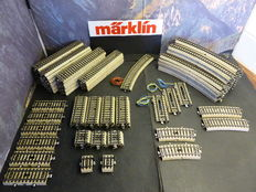 Märklin H0 - Serie 5100 - 102-part lot of M-track and electrical disconnecting tracks