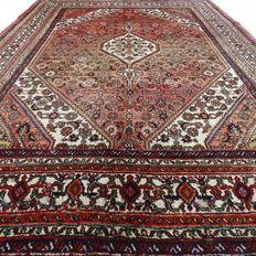Hoesseinabad - 316 x 221 cm - Large, authentic, Persian carpet in good condition.