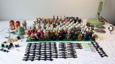 Star Wars - 166 Lego mini figures + accessories + parts