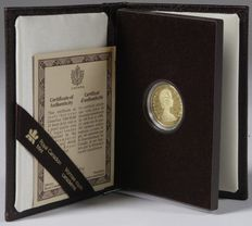 "Canada – 100 dollars 1978 ""Canadian Unification""  in coffer – ½ oz of gold."