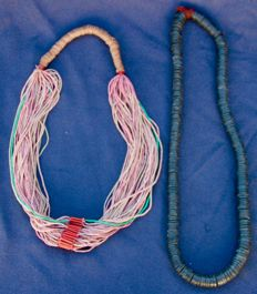 Antique ethnic coconut wood necklace from the early 20th century & Fuani Peul necklace from the mid-20th century - Mali