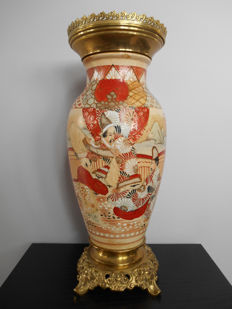 Satsuma vase decorated with brass - Japan - around 1920.