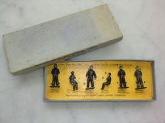 Dinky Toys - Schaal 1/32 - Royal Tank Corps Personnel no. 150