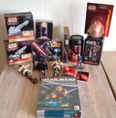 Star Wars - mainly Episode One items -  3D puzzles, metal lunchbox, Sith Holoprojector, Jar Jar toothbrush holder, collector tin with movie cards, Insider's Guide, candy stuff