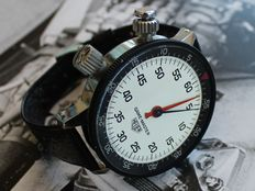 Superb New Old Stock HEUER GAME-MASTER wrist stopwatch for drivers - Giant 53,50 mm size