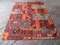 3550 # HIGH QUALITY HAND WOVEN PATCH WORK WOOL KILIM RUG 145 x 203 CM