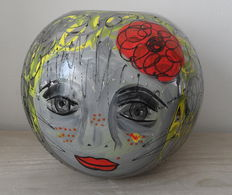Marianne Bey for Arti 4 - Cute Face - Hand painted vase - Unica