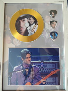 Prince - Decorative Gold Plated Cd Prince With 3 Guitar Pics Signed Picture Reprint - Very Nice -