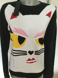 Karl Lagerfeld jumper with the typical cat