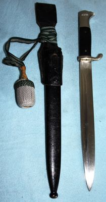 Parade model bayonet/Dolch, long model Germany, with portepee, sheath and frog - in good condition, Maker: Eickhorn. Solingen, WW2