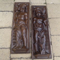 Standing youngsters - Pair of oak carvings - late 19th century