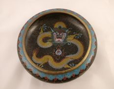 Cloisonné bowl with an imperial dragon motif – China – around 1920