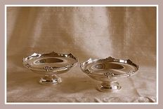 Pair of sterling silver dishes, Walker & Hall, Sheffield, 1960