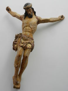 Christ in polychrome wood from the XVIth century