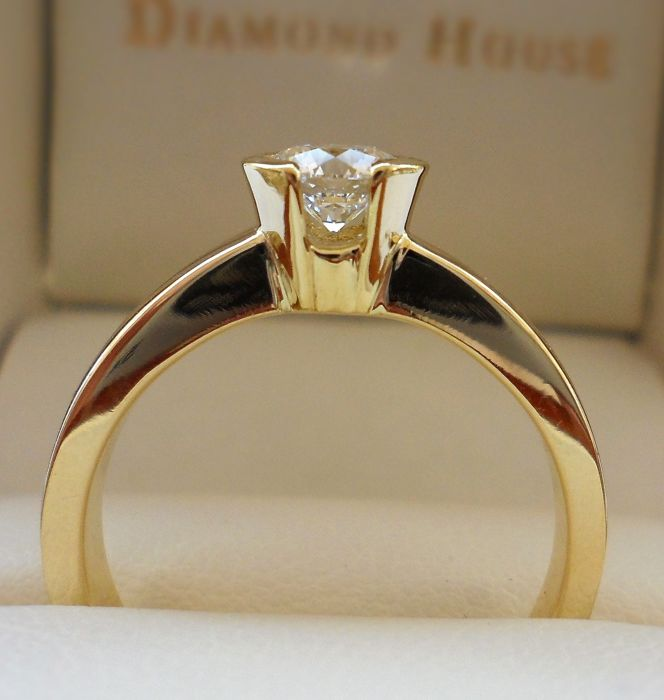 18K Yellow Gold Ring with * THE BEST QUALITY Natural Ideal Cut Round Brilliant Diamond of 0.52 ct * IGI Certified D/IF 3x Excellent