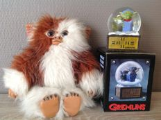The Gremlins - WB/ Quiron - 25 cm Gizmo figure - Gizmo without box - 1990 + Gremlins snowglobe - Warner Bros